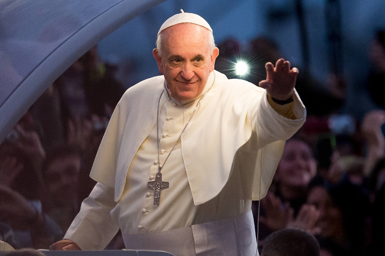Papa chega aos 33 milhões de seguidores no Twitter