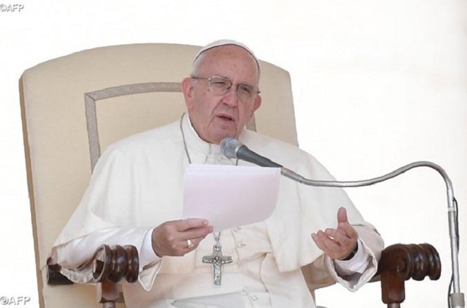 Papa na catequese: pastores próximos ao povo como Jesus