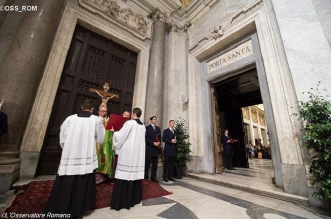 Fechadas as Portas Santas nas igrejas catedrais do mundo