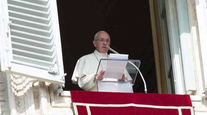 Papa: somos chamados a ser sal da terra e luz do mundo na vida cotidiana