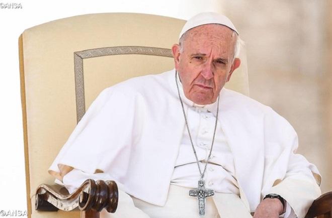 """Papa faz apelo por desempregados: """"trabalho traz dignidade"""""""