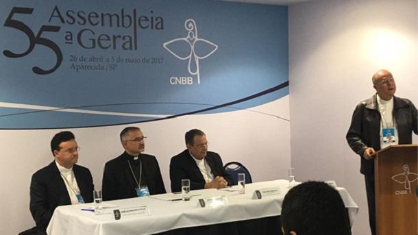 Bispos falam do segundo dia de trabalho na Assembleia da CNBB