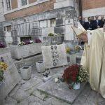 Finados: Esperança nasce de momentos de dor e sofrimento, diz Papa