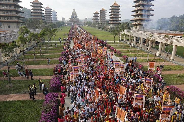 Imagem da Mãe Aparecida participa de encontro inter-religioso na China