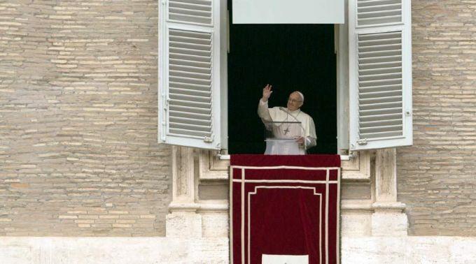 Papa alerta sobre o perigo de viver sempre em busca do próprio benefício
