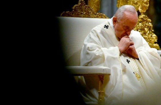 Novo ataque contra igreja em Burkina Fasso: a dor do Papa