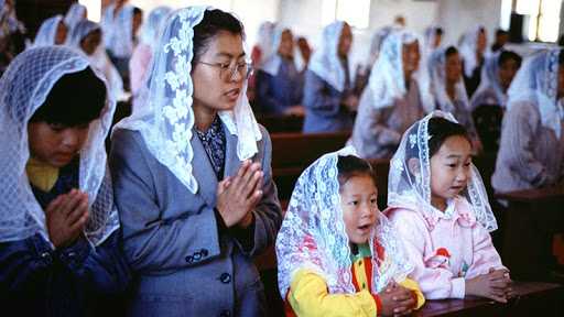 Governo comunista da China impõe ainda mais restrições aos grupos religiosos