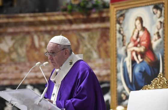 Papa: despertar do sono da mediocridade e da indiferença com oração e amor