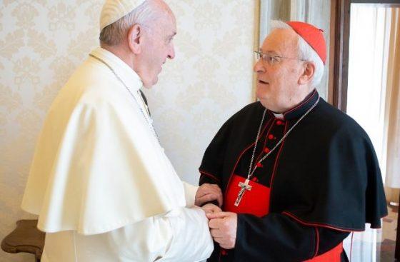 """O encorajamento do Papa ao cardeal Bassetti, """"sinal da compaixão de Deus"""""""
